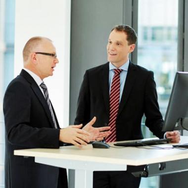 Überlassen Sie Ihre berufliche Entwicklung nicht dem Zufall! Wir bieten Ihnen Beziehungen und Kontakte zu Entscheidern in den für Sie relevanten Unternehmen.