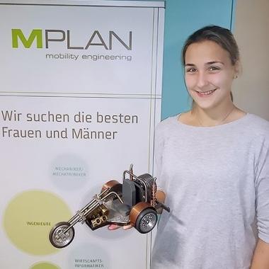 Unserer Auszubildenden zur Technischen Produktdesignerin hat im Metaller-Grundkurs ein Trike aus Metall hergestellt.