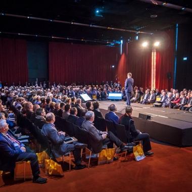 Mit über 800 Teilnehmern hat der Cloud Unternehmertag die Besucherzahlen der Vorjahre weit übertroffen. http://www.cloud-unternehmertag.de/
