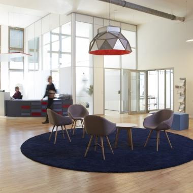 Unendliche Weiten: der Empfang im Office Hamburg