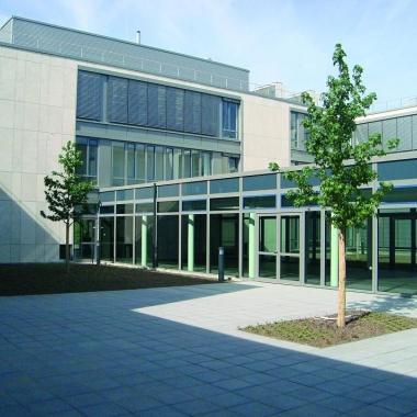 Gebäude Meerbusch Innenhof