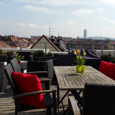 Dachterrasse mit Gril - Büro Nürnberg