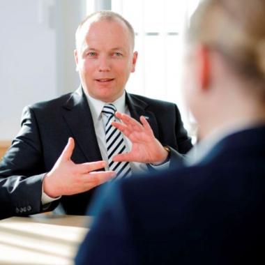 Unsere Mitarbeiterinnen und Mitarbeiter, ihr Wissen und Engagement sind das Innovationskapital unseres Unternehmens, daher hat die Personalentwicklung einen besonderen Stellenwert.