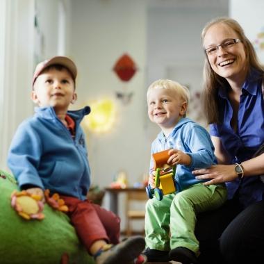 Zukunftsweisende Konzepte wie ein lebensphasenorientierter Arbeitsplatz und unsere Kinderbetreuung ?Heel Kids? machen uns zu einem Top-Arbeitgeber.
