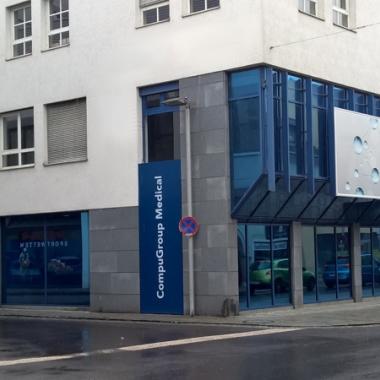 Die Außenfassade zeigt: hier ist man richtig, beim österreichischen e-Health Marktführer.