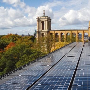 Auf dem Dach des Maximilianeums, Sitz der Bayerischen Landesregierung, haben wir eine Solaranlage installiert (Foto: Green City Energy AG / Achim Schroer)
