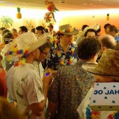 Tropical Party zum 30-Jahre Jubiläum