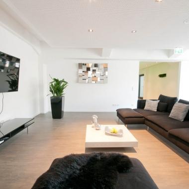 Lounge mit Playstation in Krefeld