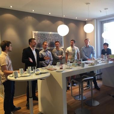 Kontor-Frühstück bei iteratec in HH: Herr Günter von der Firma Auticon war zu Gast. Auticon ist ein IT-Dienstleister, der ausschließlich Menschen mit Asperger-Syndrom anstellt. Das finden wir toll!!