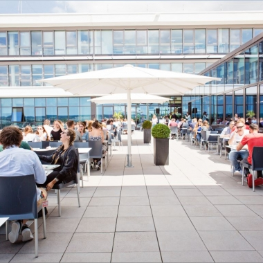 PUMA Vision Headquarter: Mittagessen auf der Dachterasse
