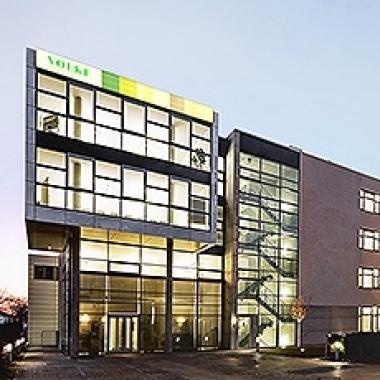 VOLKE München Hauptgebäude mit Blick auf den Empfangsbereich