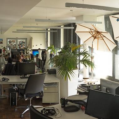 Die Arbeitsräume in unseren Webdepartments sind offen und gemütlich eingerichtet.