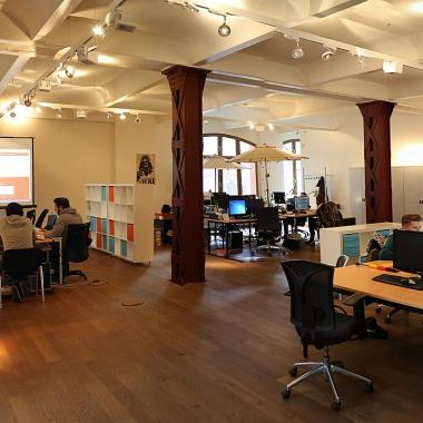 Gemütliche und großzügige Räume sorgen für eine perfekte Arbeitsatmosphäre.