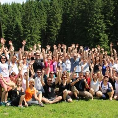 Wir veranstalten jährlich Mitarbeiter Teamevents. Skiwochenende, Almwanderung, Hochseilgarten, Canyoning, Floßfahrten, u.v.m.