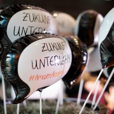 Amazon Als Arbeitgeber Gehalt Karriere Benefits Kununu