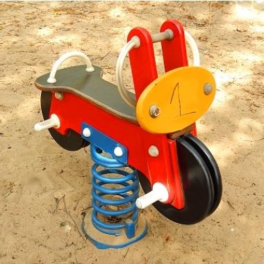 Es gibt Arbeitszeitmodelle für Eltern. Hier sind vor allem die Frühschichten beliebt, damit am Nachmittag, zum Beispiel, noch Zeit für einen Besuch auf dem Spielplatz ist.
