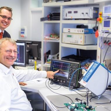 Forschung und Entwicklung: Generatoren und Software