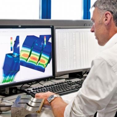 Ultraschallsonotrode bei der Vermessung mittels FEM