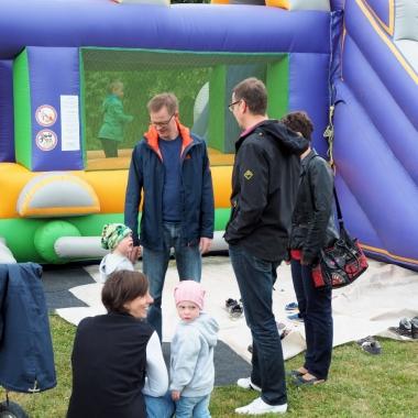 Grillfest für Mitarbeiter und deren Familien - Spaß für Groß und Klein.