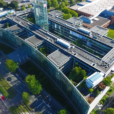 Über 1.000 Mitarbeiter an unserem Standort in Köln!