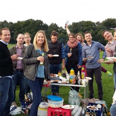 Get-together von OSP-Kollegen beim Grillen im Hamburger Stadtpark