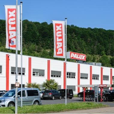 Außenaufnahme des Firmensitzes der PALUX Aktiengesellschaft in Bad Mergentheim.