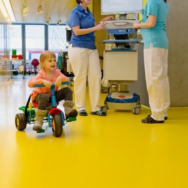 Einblick in den Alltag auf der Kinderklinik