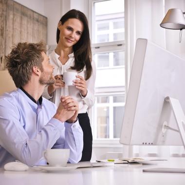 Guter Kaffee am Arbeitsplatz sorgt für Motivation und wird von Mitarbeitern sehr geschätzt.
