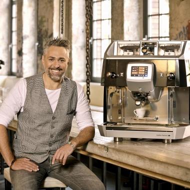Unser Genussbotschafter Roland Trettl liebt den Espresso aus der Crema Grande.