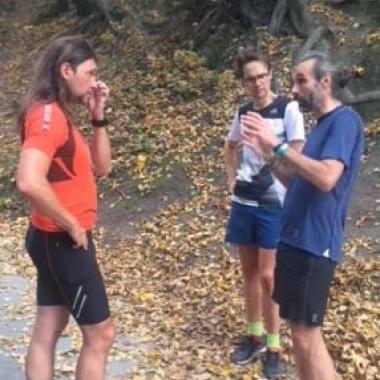 Cheftrainer des Laufleistunszentrums Tirols, Andreas Tomaselli, beim MOHO.Lauftreff