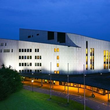 Aalto Theater bei Nacht