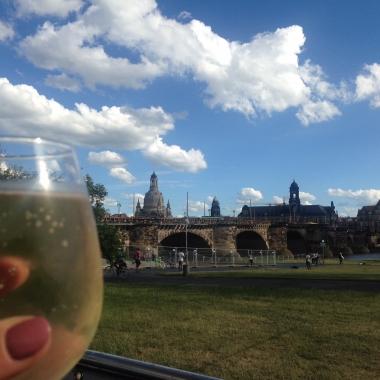Die Landeshauptstadt Dresden lädt  zum Entspannen und Genießen ein.