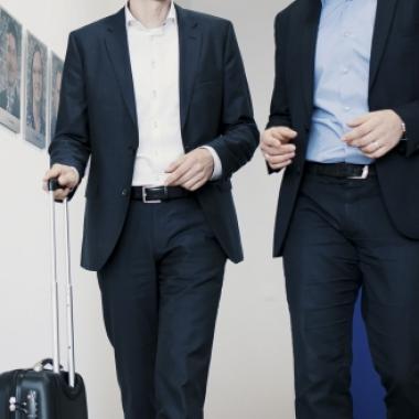 Reisen gehören zum Beraterleben wie der morgendliche Kaffee. Das Backoffice übernimmt dabei die Reiseplanung und Hotelreservierung.