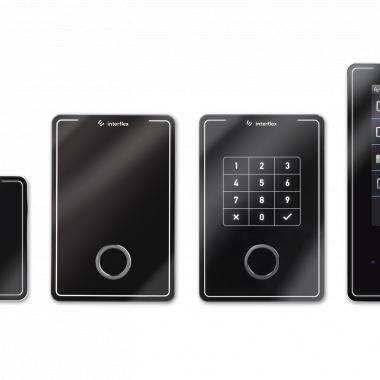 Moderne und zeitlose Terminals für Zutrittskontrolle und Zeiterfassung - die Designserie eVAYO.