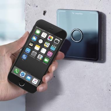 """Zutritt mit dem Smartphone - mit der App """"Key"""" von Interflex."""