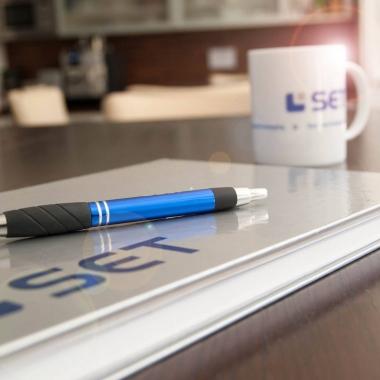 Wer bei der SET anfängt, bekommt ein kleines Starterpaket - für den ersten Tee oder Kaffee mit den neuen Kollegen.