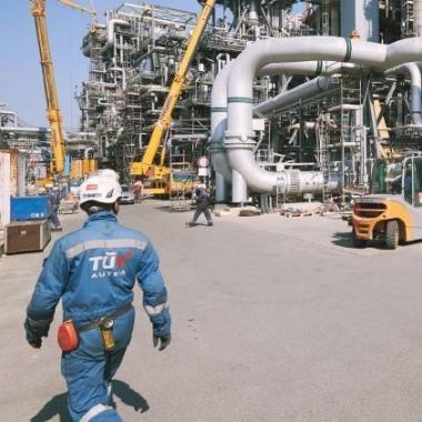 TÜV AUSTRIA Inspektion am Areal der Raffinerie Schwechat