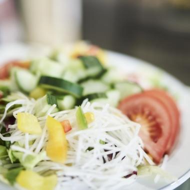 Nachhaltigkeit ist uns auch beim Essen wichtig, daher beziehen wir viel Obst und Gemüse von regionalen Anbietern