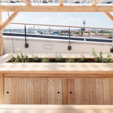 Auf der Dachterrasse des Wiener T-Centers kann man im Freien arbeiten und dabei frische Luft für frische Ideen tanken.