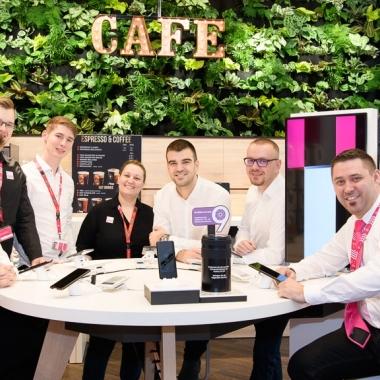 Unsere Mitarbeiter in den Shops schätzen den starken Zusammenhalt im Team und lernen sich bei den quartalsweise stattfindenden gemeinsamen Freizeitaktivitäten noch besser kennen.