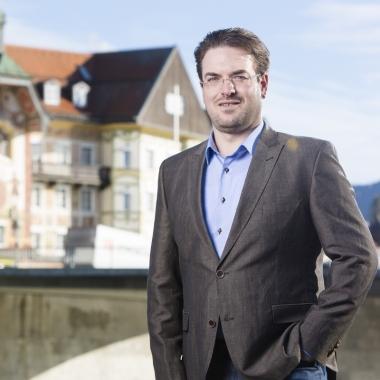 """""""Die Unterstützung der VLH ist unbezahlbar."""" VLH-Berater Florian Herzinger (https://www.vlh.de/karriere/florian-herzinger.html)"""