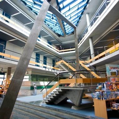 Eingangsbereich in der Unternehmenszentrale