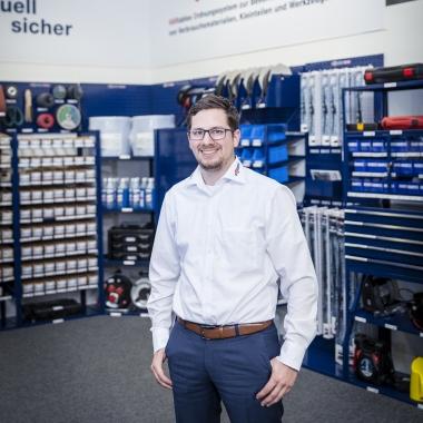 """""""Der Zusammenhalt und die Hilfsbereitschaft unter den Kolleg*innen sorgen jeden Tag für eine angenehme Atmosphäre, in der ich gerne arbeite."""" Christoph Sautter, Marktmanager Haustechnik bei FÖRCH."""