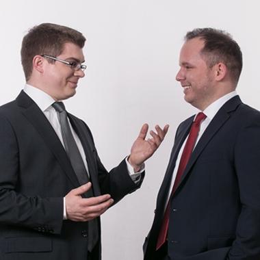 eWorks - Fast vergessen: auch wir haben 2 Chefs! Aber immerhin sind sie auch Informatiker... ;-)