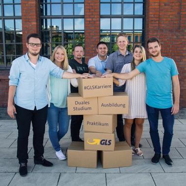 Grundstein in der Logistik-Karriere: Ausbildung, Praktikum und Duales Studium