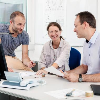Ein Team aus über 60 Ingenieuren arbeitet Tag für Tag an der Weiterentwicklung unserer Produkte.