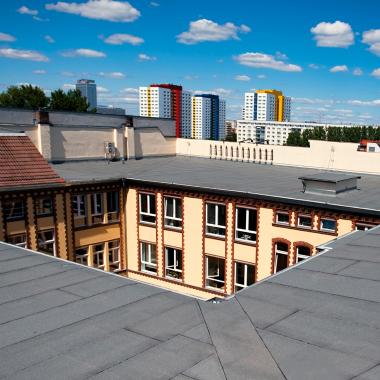 Dieses Bild wurde auf den Dächern der Rungestraße 19 in Berlin aufgenommen – hier ist seit jeher der Firmensitz der PROMOS consult. Natürlich haben wir uns in den letzten zwanzig Jahren hier ...