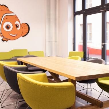 d1d65de210270e Farbenfrohe Meetingräume mit Charakter