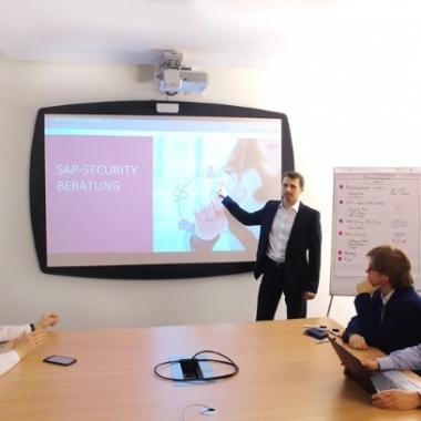 Kunden beraten, um ihr SAP-Systeme sicher für die Zukunft zu machen - das ist unser Geschäft und unsere Leidenschaft.