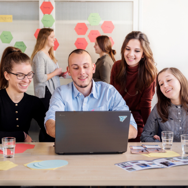 Das Studentenwerk bildet in verschiedenen Berufen in der Hochschulgastronomie, der Informationstechnik und im kaufmännischen Bereich aus.
